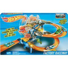Hot Wheels Fabrik-Rennbahn Spielset mit Motorantrieb