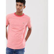 Tommy Jeans - T-Shirt mit kontrastierendem Ausschnitt und Pikee-Flaggenlogo in rotem Kalk - Rot