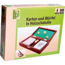 Karten und Würfel in Holzschatulle