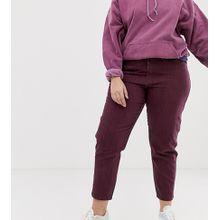 ASOS DESIGN Curve - Ritson - Steife Mom-Jeans mit Nahtdetail und Streifen, in Ochsenblutrot - Mehrfarbig