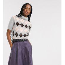 Reclaimed Vintage - Inspired - Flauschiger, hochgeschlossener Pullover mit kurzem Schnitt und Argyle-Muster - Mehrfarbig