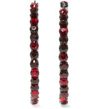 Ohrringe aus stahlgrauem Messing und burgunderfarbenen Kristallen