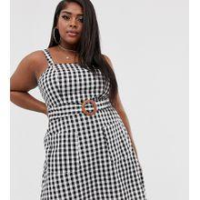 ASOS DESIGN Curve - Mini-Sommerkleid aus Leinen mit eckigem Ausschnitt, Holzschnalle und monochromem Karomuster - Mehrfarbig