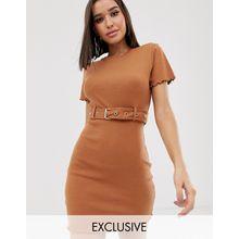 Missguided - Geripptes T-Shirt-Kleid in Kamelbraun mit Gürtel - Braun