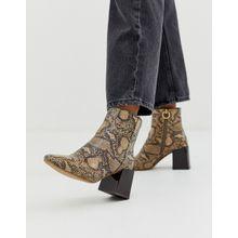 ASOS DESIGN - Reed - Ankle-Boots mit Absatz in natürlicher Schlangenleder-Optik - Mehrfarbig