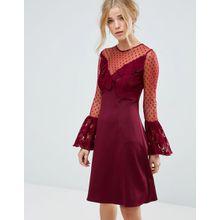 Elise Ryan - Minikleid in A-Linie mit Spitzenrüschen und ausgestellten, langen Ärmeln - Rot