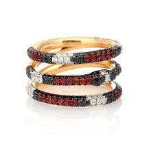 Ring aus 18kt Gold mit Diamanten und Topasen