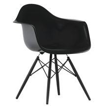 Vitra - Eames Plastic Armchair DAW, Ahorn schwarz / basic dark, Filzgleiter schwarz