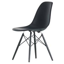 Vitra - Eames Plastic Side Chair DSW, Ahorn schwarz / basic dark (Filzgleiter basic dark)
