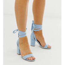 ASOS DESIGN - Howling - Sandalen mit Schnürdesign, Blockabsatz und weiter Passform in Kornblumenblau - Blau