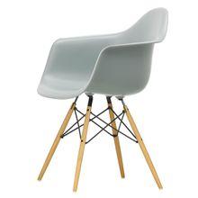 Vitra - Eames Plastic Armchair DAW, Ahorn gelblich / hellgrau (Filzgleiter weiß)