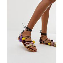Vero Moda - Sandalen aus Leder mit Bommeln und Stickerei - Schwarz