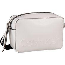 Calvin Klein Umhängetasche Edged Camera Bag Bright White