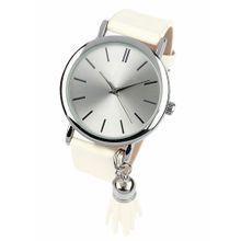 Heine Armbanduhr mit kleiner Quaste beige / silber