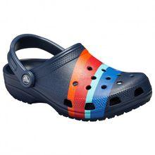 Crocs - Classic Seasonal Graphic Clog - Sandalen Gr M10 / W12;M11;M12;M13;M4 / W6;M5 / W7;M6 / W8;M7 / W9;M8 / W10;M9 / W11 grau/weiß;blau;beige/türkis;grau;schwarz