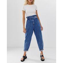 ASOS DESIGN - Boyfriend-Jeans mit Paperbag-Design und Schnallendetail in mittlerer Vintage-Waschung - Blau