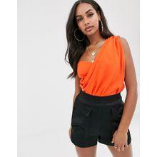 Missguided - Drapierter One-Shoulder-Bodysuit in Orange - Rot